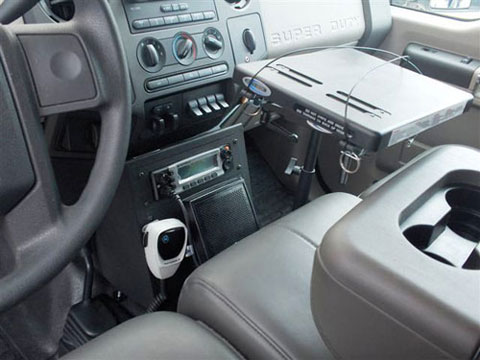 XTL5000-Mobile-Radio-with-Ford-F650-Mount
